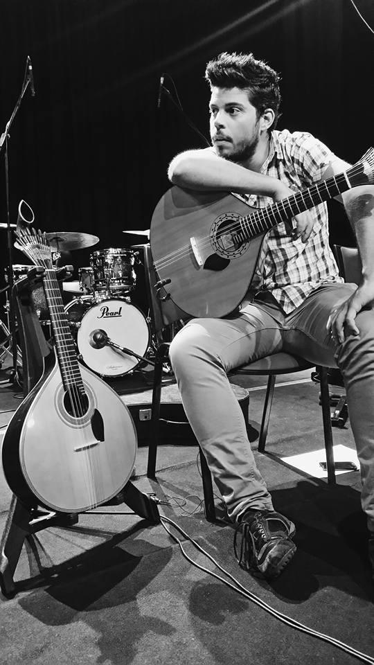 Aulas de Guitarra Portuguesa na OMA